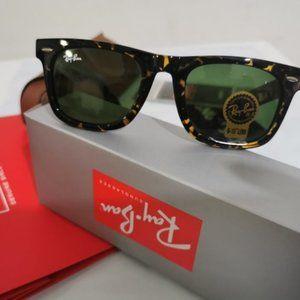 RayBan Original Wayfarer Sunglasses RB2140